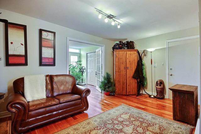 emmanuelle beaudet courtiers immobilier sutton montr al. Black Bedroom Furniture Sets. Home Design Ideas