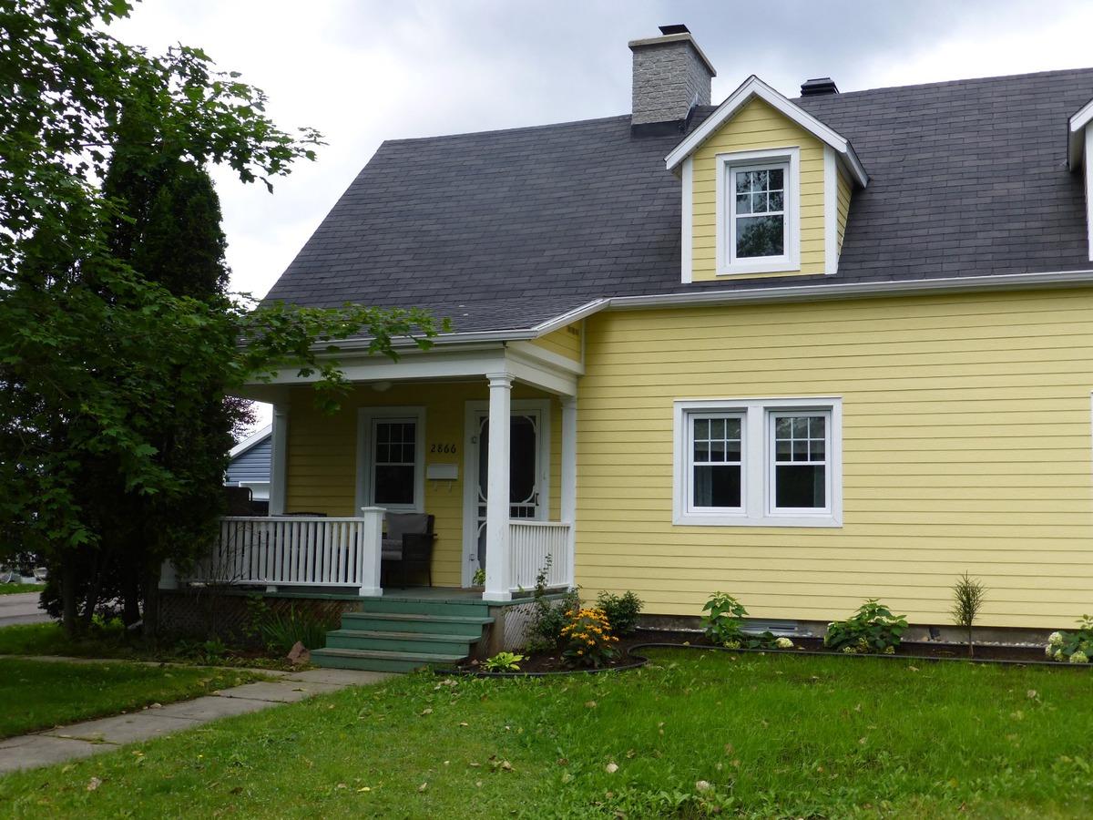 maison tages vendre jonqui re saguenay saguenay lac saint jean sutton qu bec. Black Bedroom Furniture Sets. Home Design Ideas