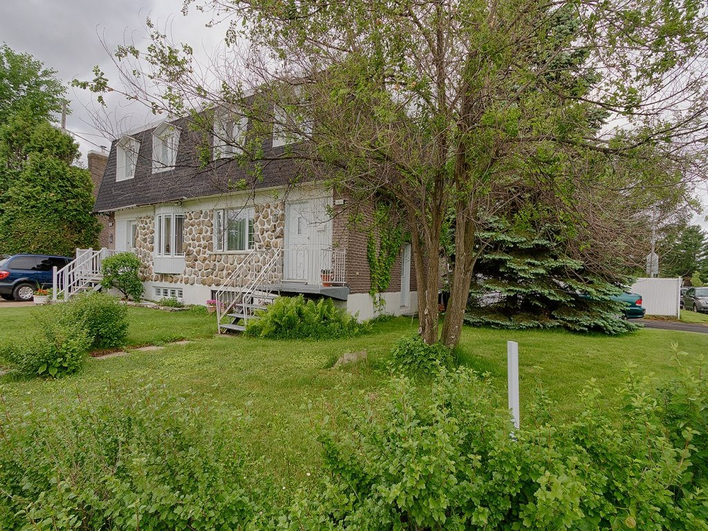Two or more storey for sale in le vieux longueuil for Cegep edouard montpetit piscine