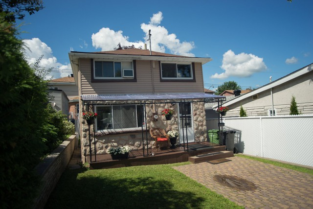 Maison tages vendre 12620 56e avenue r d p for Achat premiere maison montreal