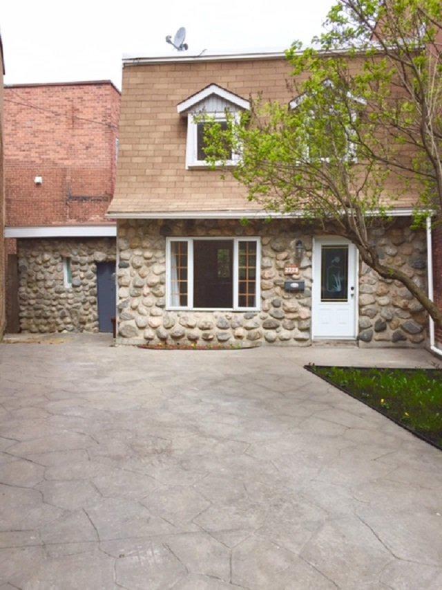 Maison tages vendre 2225 rue wellington le sud for Achat premiere maison montreal