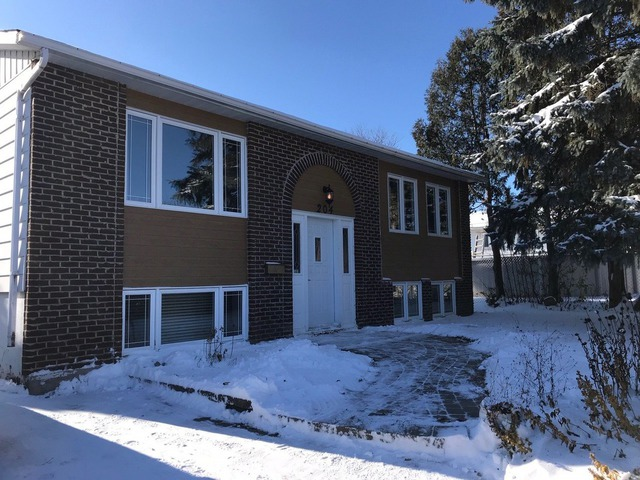 Houses for sale in Laval (Chomedey) - Properties for sale