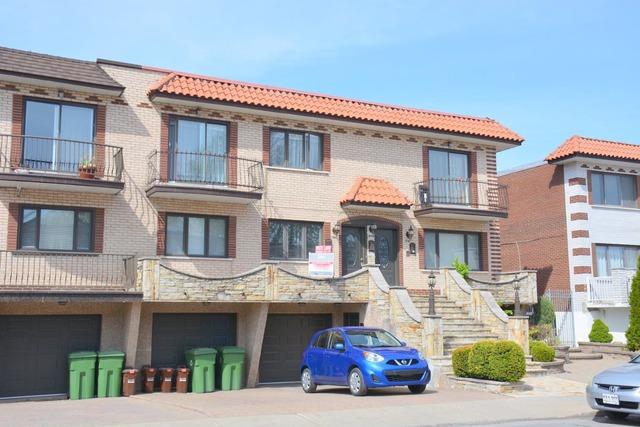 Vendu triplex vendre 1337 1341 rue baxter lasalle for Achat premiere maison montreal