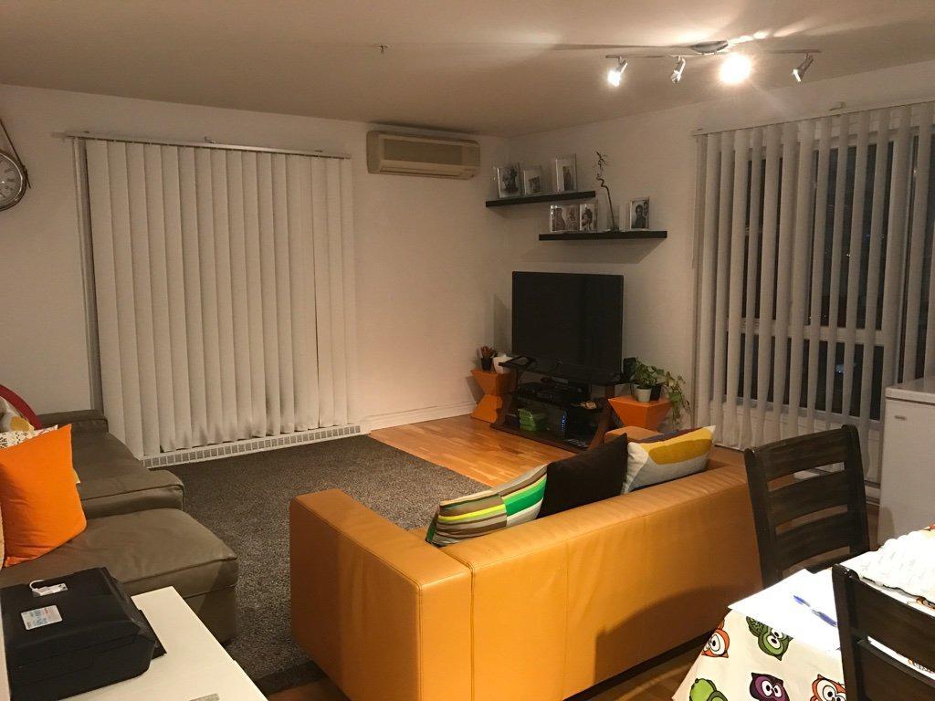 Appartement louer 1465 boul le corbusier app 307 for Meubles laval le corbusier